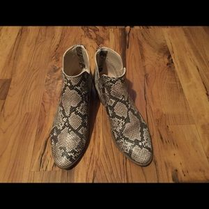 Snake Skin print Boots